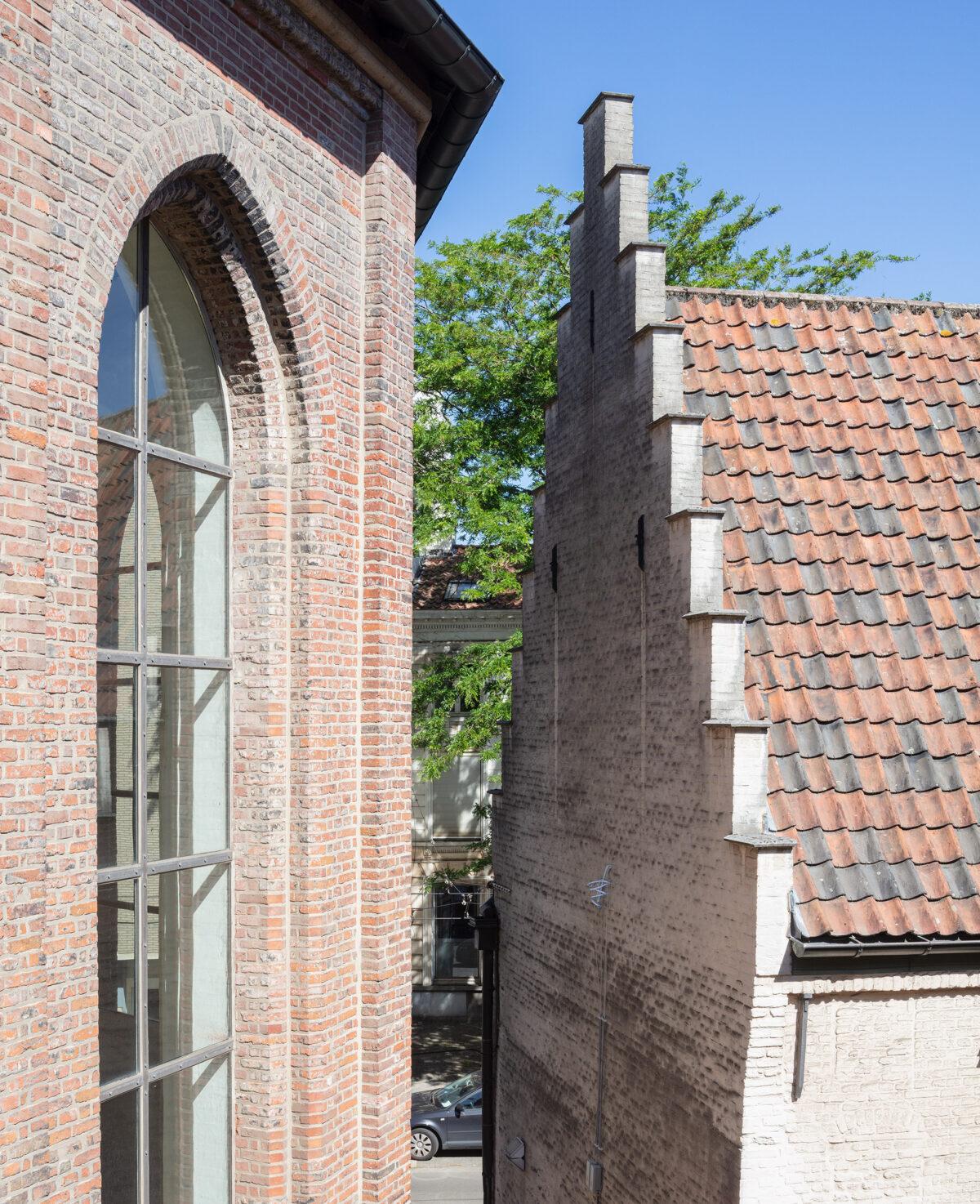 MDC KH S Van Den Bosch LR